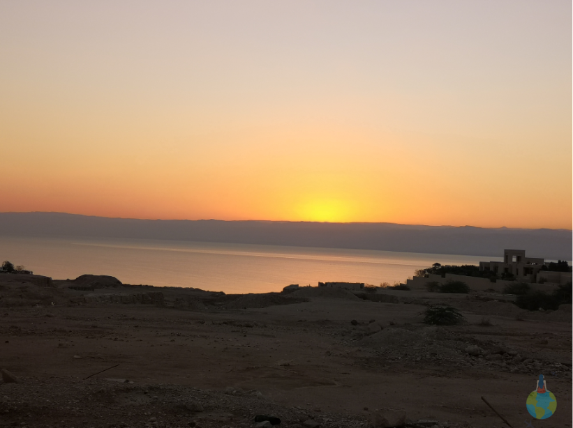 Marea Moartă apus Iordania plaja