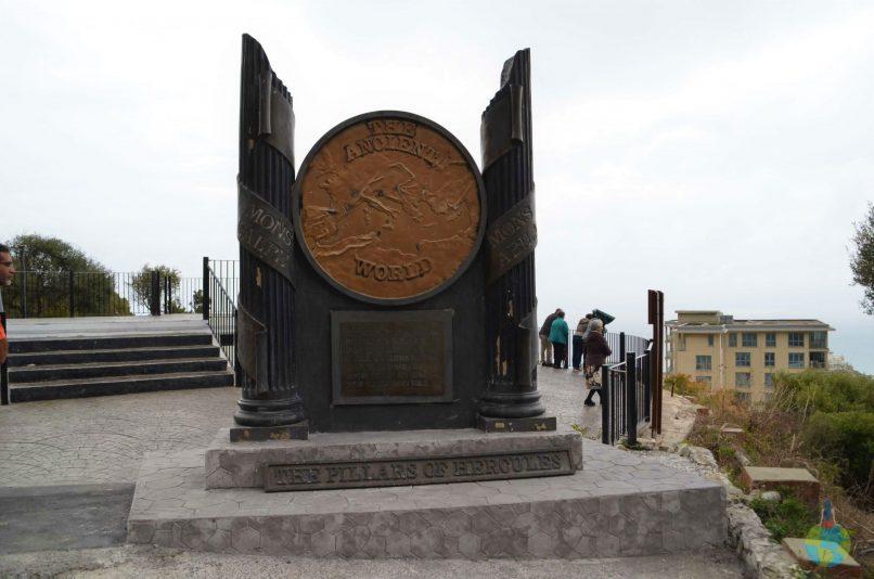 The Rock, Pilarii lui Hercule