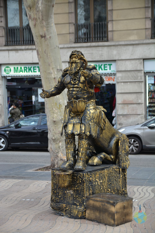 Barcelona Arta stradală La Rambla artisti costume personaje