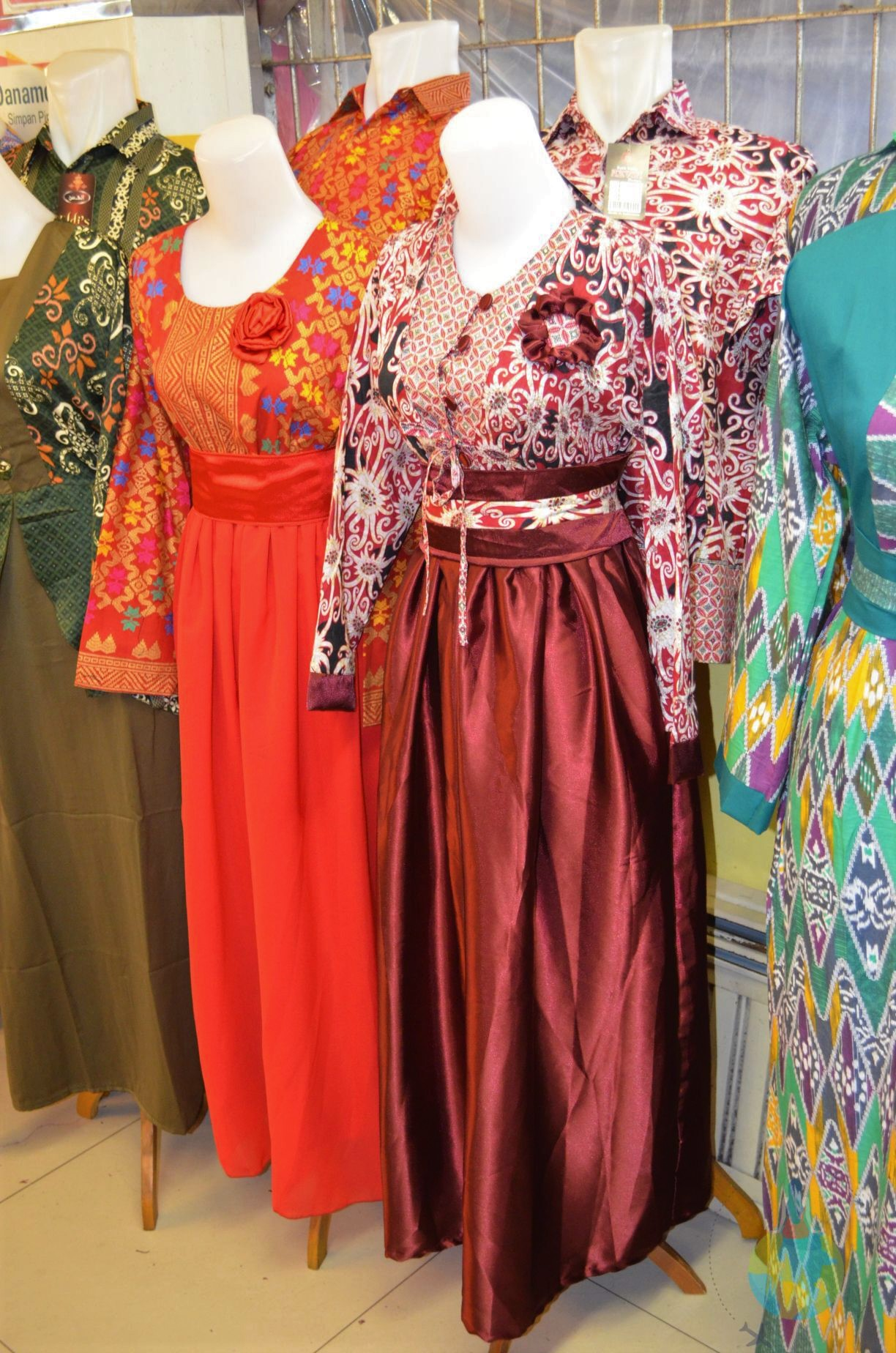 Piață, Yogyakarta, Indonezia, costume tradiționale