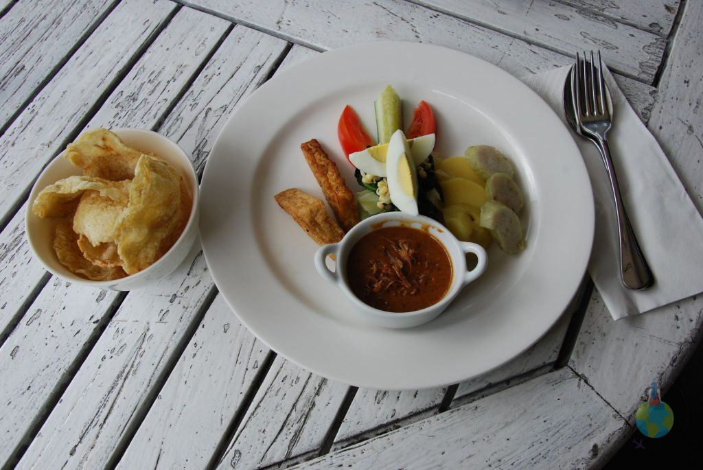 Mâncare indoneziană, Yogyakarta,Frans, Vila Alamanda