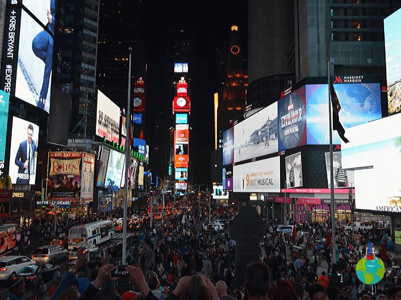 Noaptea în Time Square - New York