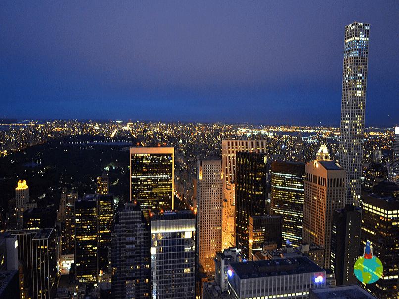 Manhattan văzut noaptea de pe Top of the Rock - Rockefeller Center
