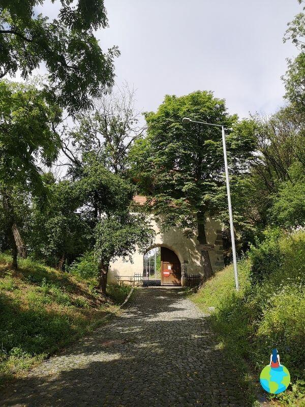 O plimbare prin Cetatea Devei