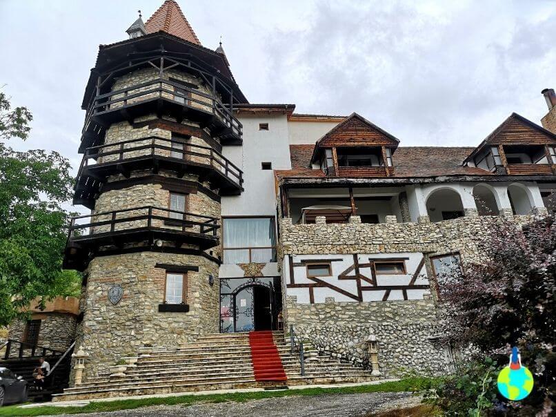 Ce să faci 2 zile la Deva o vizită la Castelul Lupilor