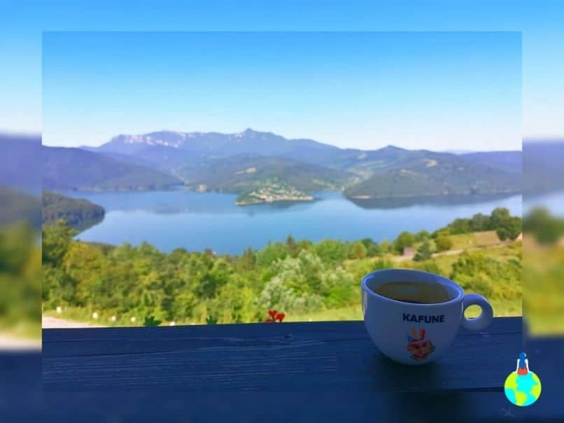 Coffee with a view - la Pensiunea La Bunica