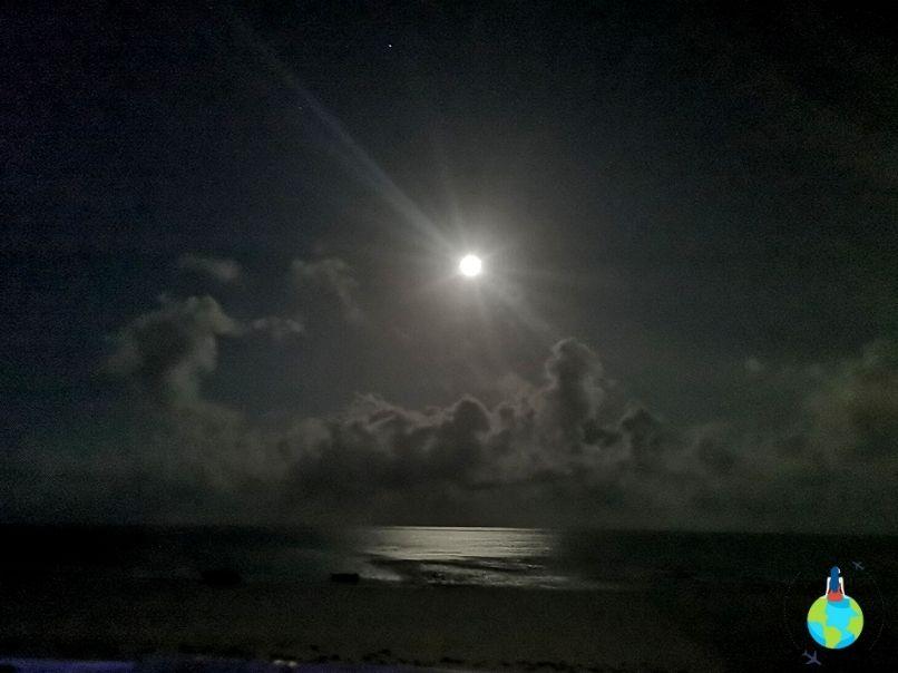 Oceanul noaptea