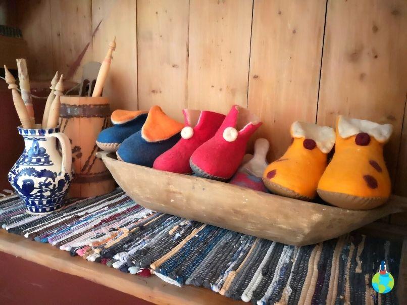 Papucii de pâslă
