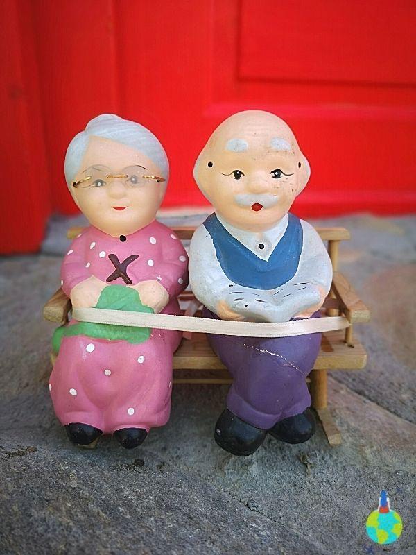 Și au trăit fericiți până la adânci bătrâneți....