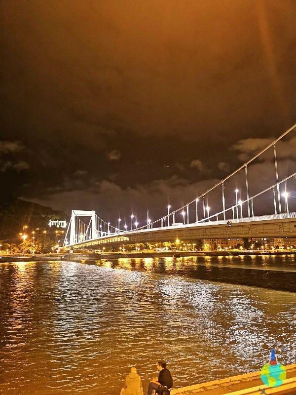 Budapesta cea mai romantică dintre capitale și ale sale poduri minunate