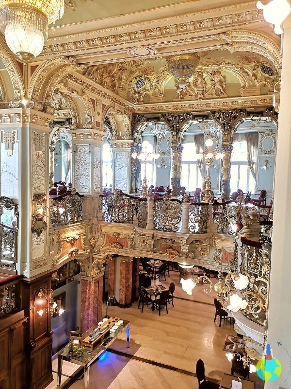 New York Café Budapesta - Meznin