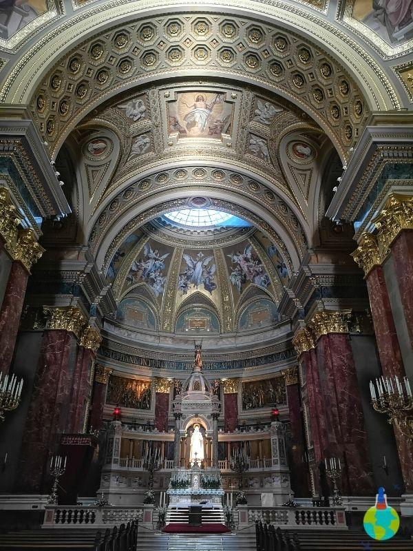 Altarul Bazilicii Sf. Ștefan
