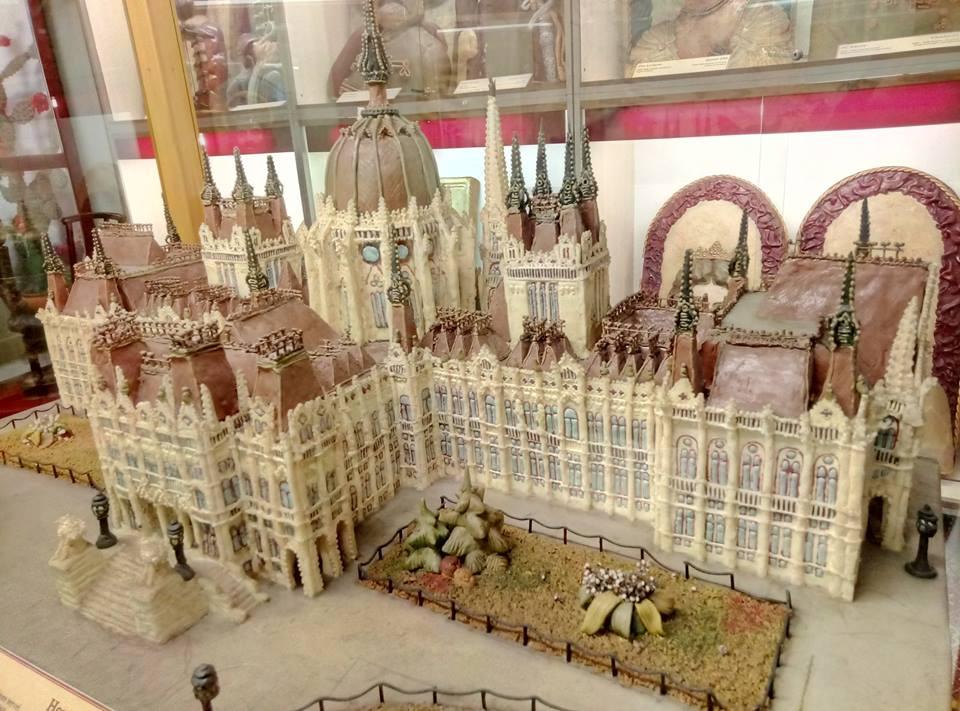 Parlamentul din Budapesta făcut din marțipan