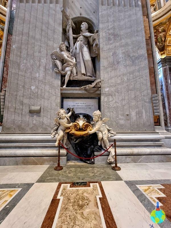 Exponate din Bazilica San Piedro