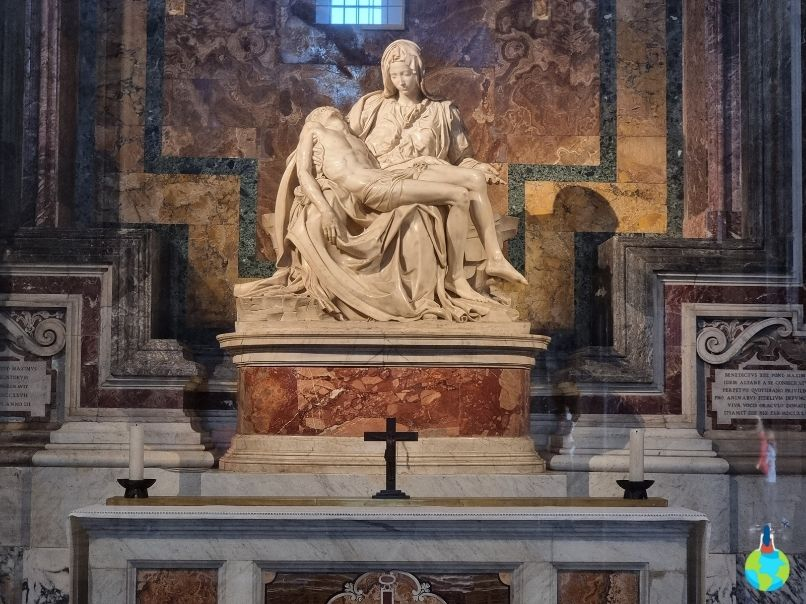 La Pieta - Michelangelo